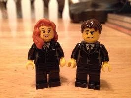 Mulder and Scully by iamtherealbender