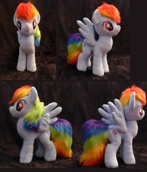 [For Sale] Fluffy Rainbow Dash by AlayasYazoo