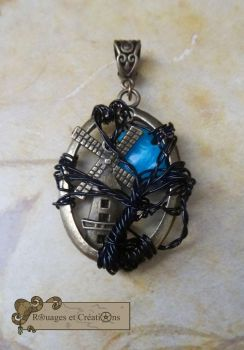 Sleepy Hollow tree of life pendant by Rouages-et-Creations