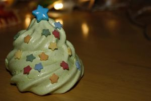 Christmas Tree Meringue by behindthesofa
