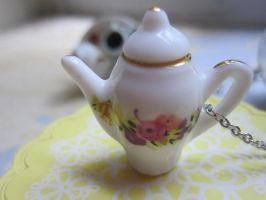 Flower Tea Pot Necklace by CandyChick