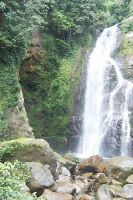 AIR TERJUN by unguviolet