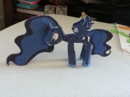 papercraft luna by luna9000