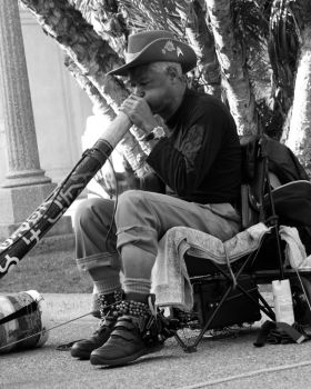 Didgeridoo Player I by chaos5