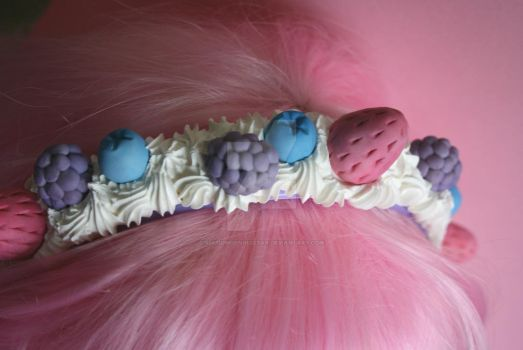 Decoden Fruit Headband- Video Tutorial by RuusuMorningstar