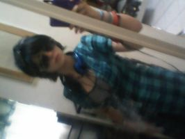 My mirror makes me blurry by Inner-instability