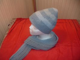 Blue stripe hat and scarf by Nanettew9
