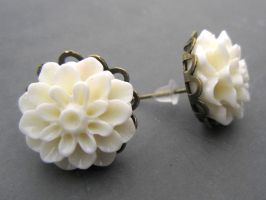 Magnolia Earrings, romantic and tres boheme! by Divenadesign