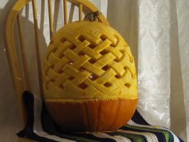 Weave pattern pumpkin by PunkBouncer