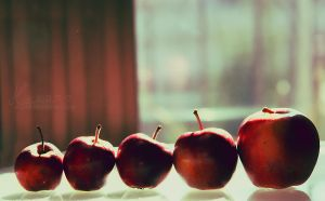 Growing Apple by anayuH