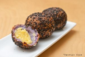 Fried glutinous rice ball by patchow
