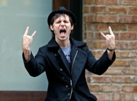 Mike Dirnt Rocks by GiuliaWright