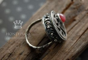 Ring with ruby by honeypunk