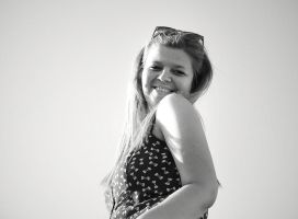 smile for the sun by majush