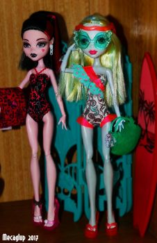 Draculaura and Lagoona Ready for a Dip by Mecaglup