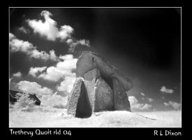 Trethevy Quoit 04 by richardldixon