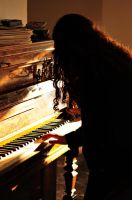 piano. by rosesoldier