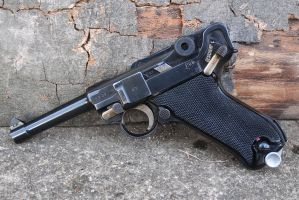 Mauser Banner Luger 1942 by PLutonius