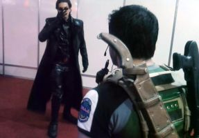 RE Cosplay Wesker vs Chris by IKevinXSer