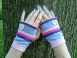 candy fingerless gloves by Pentecost