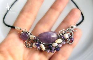 Silver necklace with amethysts and pearls by JSjewelry