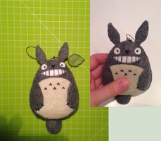 Totoro plushie by allutaa