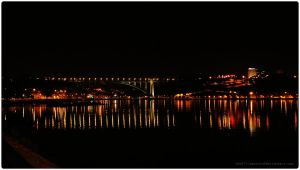 Porto at night by anafilipacouto