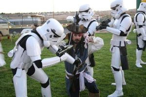 Storm troopers VS. The Pirate by franzelano