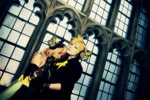 Vocaloid: Magentic Embrace by PockyTheif