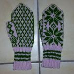 Mossy green traditional Selbuvott mittens by KnitLizzy