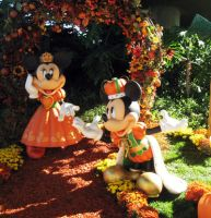 Halloween - Mickey and Minnie by seystudios