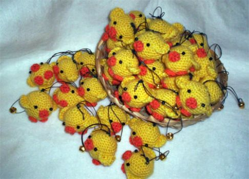 chicken invasion amigurumi by luna-plateada