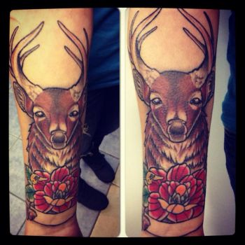 Neotraditional deer by domnecktattoo