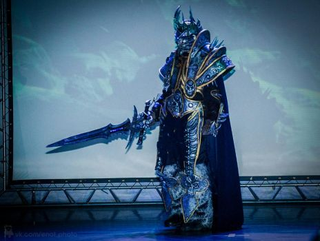 Arhas The Lich King cosplay by EnotArt