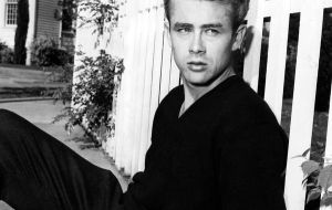 James Dean . HOLLA by carmenisabella