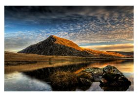 Llyn Idwal sunrise 3 by CharmingPhotography
