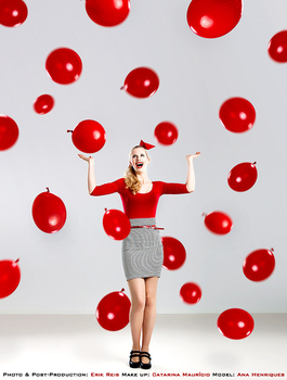 Red Ballons III by AHenriques
